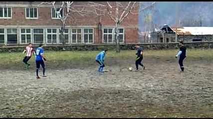 Футболен мач с.г.брезница