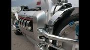 Мотоциклетът с най - мощния двигател в света!!! Dodge Tomahawk