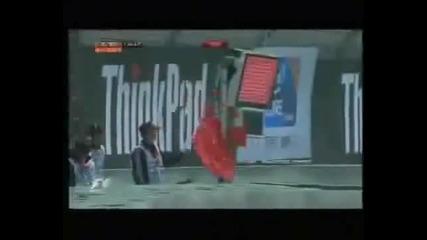 На Себастиан Буеми му падат двете предни гуми (тренировка Китай 2010)