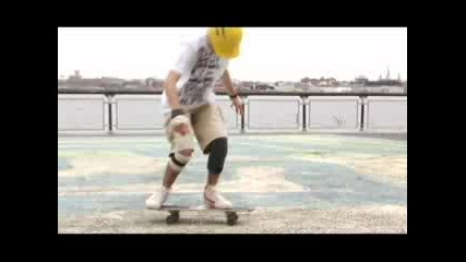 Freestyle Skateboarding in New York City
