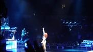 На живо! Rihanna - Take a bow ( Loud Tour - 06.06.2011 - Торонто )