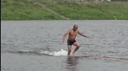 Шаолински монах пробяга 125 метра във водата