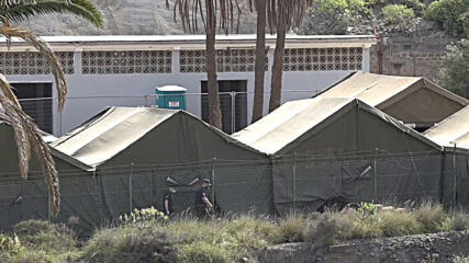 Spain: Migrants reallocated to makeshift camp amid record arrivals in Canary Islands