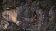 Събаряне на опасни скали с хеликоптер