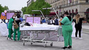 Germany: Healthcare workers march through Berlin for better working conditions