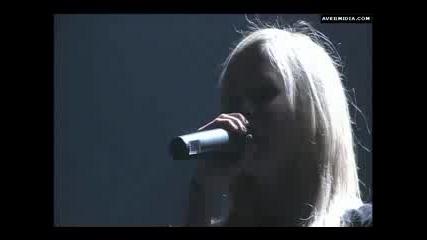 Avril Lavigne - Losing Grip Live
