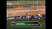 Защитник прави страхотно спасяване на гол със задна ножица