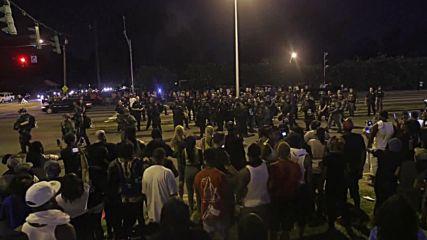 USA: Rifle-wielding Dallas police forcefully shutdown anti-brutality demo