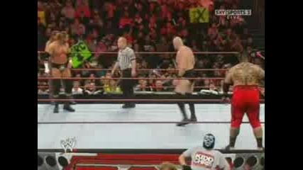 Triple H Се Ебава Със Дъхът На Snitsky :d