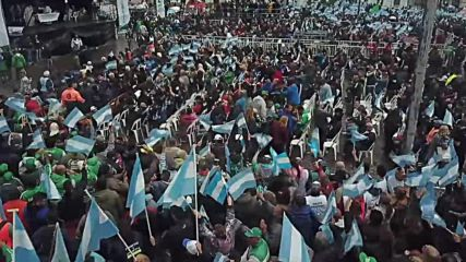 Argentina: Hundreds of thousands unite in mass for 'Peace, bread and work'