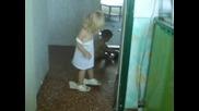С Обувките На Мама
