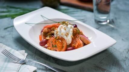 Доматена салата с мус от сирене | Бон Апети | 24Kitchen Bulgaria.