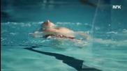 Рискован експеримент! Норвежец се гръмна с калашник под водата!