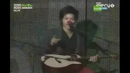 101215_melon_song Joong Ki Special singing Christmas carols