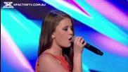 Това момиче пее много хубаво