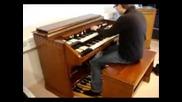 Клавишни музикани инструменти (визия и звук )