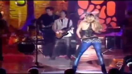 Шакира го върти добре !!!