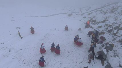 Redefining the high-press! Cholitas climbers play football match at almost 6,000 metres above sea level