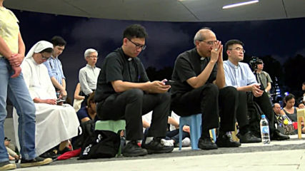 Hong Kong: Christian protesters hold prayer session in front of Legislative Council