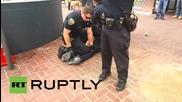 USA: 14 policemen take down homeless amputee because of 'crutch waving'