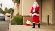 Смях! Битка между двама Дядо Коледовци!