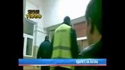 Полицай бие и заплаши с убийство 22 годишен младеж в Д.дъбник