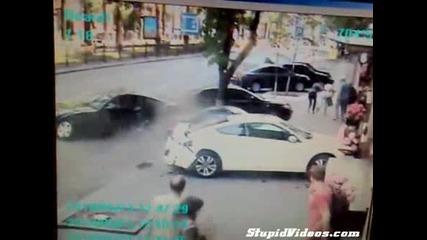 Жена избегна катастрофа!!! Късмет или голям рефлекс?