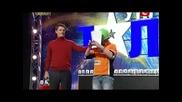 Изумително! Момче Подрежда Кубчето на Рубик със Затворени Очи!