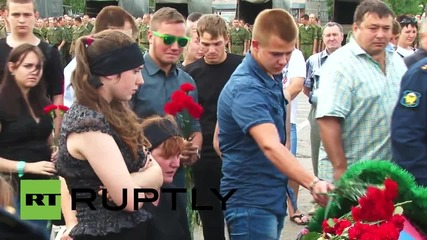 Russia: Hundreds pay respects to the 23 soldiers killed in Omsk