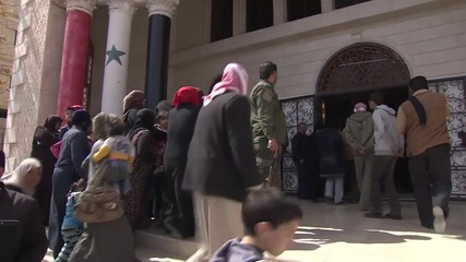 Syria: Russian humanitarian aid delivered to Yabroud citizens