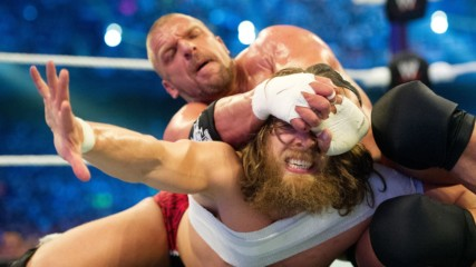 Даниел Браян срещу Трите Хикса: WrestleMania 30, целият мач