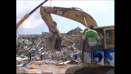 Многоетажна сграда в Гана се срути и затрупа стотици хора