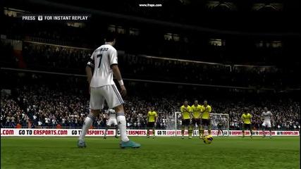 Cristiano Ronaldo матира Roman Weidenfeller с пряк свободен удар от 36 метра - Fifa 13