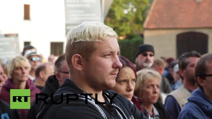 Germany: Anti-refugee protesters march in Heidenau