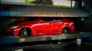 Как можаха да я смачкат Lexus Isf