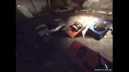 Камера заснема поглъщането на 8-те исторически коли Chevrolet Corvette