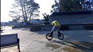 Паркур, трикове с велосипеди по улиците на Сан Франциско
