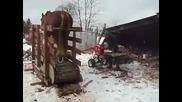 Руският гений! Ето така се цепят дърва !