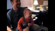Най-маняшкият бебешки смях