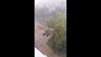 """От """"Моята новина"""": Пороен дъжд в Нова Загора"""
