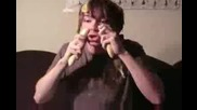 Лудият В Кой Ми Изяде Бананите ?