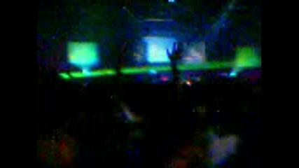 Carl Cox - At The Sound Factory Sofia 2004 - Nokia7650video (4)