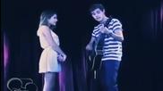 Леон пее на Виолета