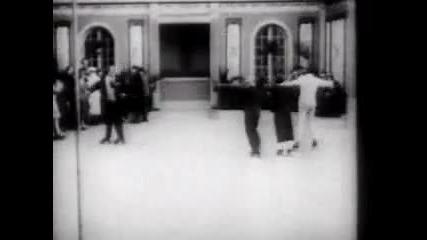 Чарли Чаплин кара кънки