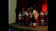 Танца На Малките За Коледа