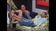 Веселин пак се заяжда с Ели , този път за нейната коса Big Brother F