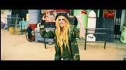 Страхотна! Avril Lavigne - Rock N Roll + Превод
