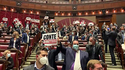 Italy: Centre-right deputies occupy the Chamber to protest against Conte