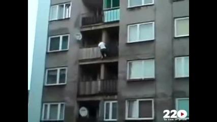 Да изкатериш 5 етажен блок за 50 секунди...
