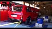 Една доста Lada Niva на Dyno тест. На това нещо сигурно боята му струва колкото нова такава!